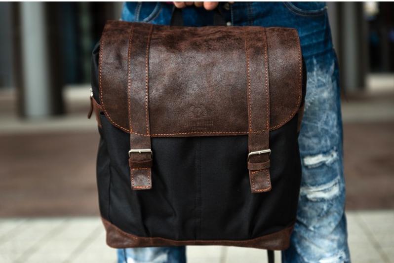 63e516f27f9bf Plecak to jeden z najpraktyczniejszych dodatków odzieżowych. Jego  funkcjonalność zależy nie tylko od liczby komór wewnętrznych